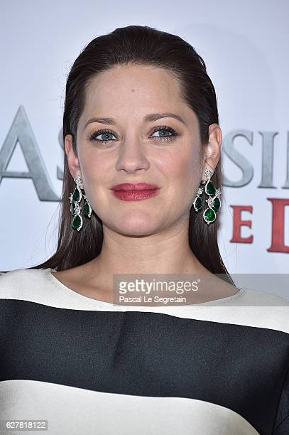 Marion Cotillard attends the Paris Photocall for the film 'Assassin's Creed' at Hotel Bristol on December 5 2016 in Paris France