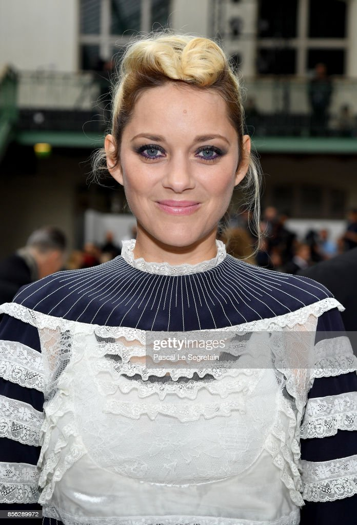 Marion Cotillard attends the Valentino show as part of the Paris Fashion Week Womenswear Spring/Summer 2018 on October 1, 2017 in Paris, France.
