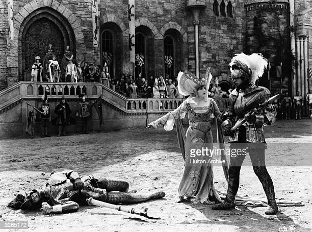 Marion Davies in a jousting scene from the film 'Yolanda', directed by Robert G Vignola for MGM.
