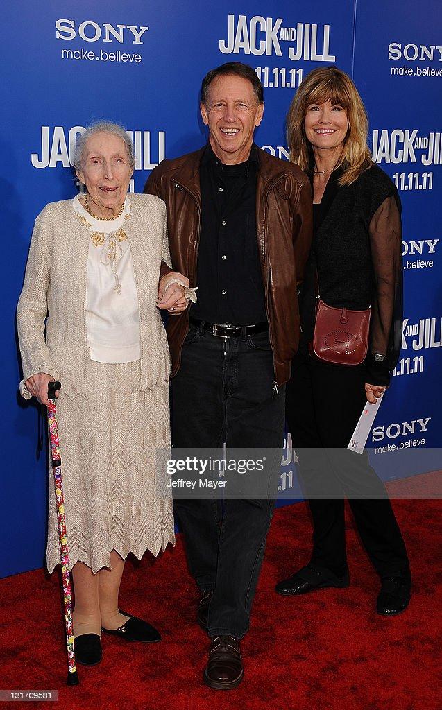 """""""Jack And Jill"""" Los Angeles Premiere - Arrivals : Fotografía de noticias"""