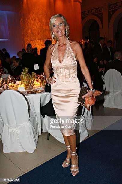 Marion Fedder Bei Der Verleihung Der Goldenen Feder In Der Handelskammer In Hamburg Am 110506