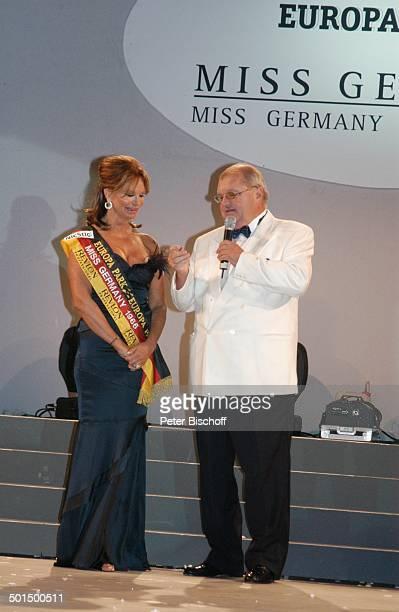 Marion HeinrichBenz Horst Klemmer Das große Miss GermanyTreffen Hotel Colosseo EuropaPark Rust BadenWürttemberg Deutschland Europa Bühne Mikro...