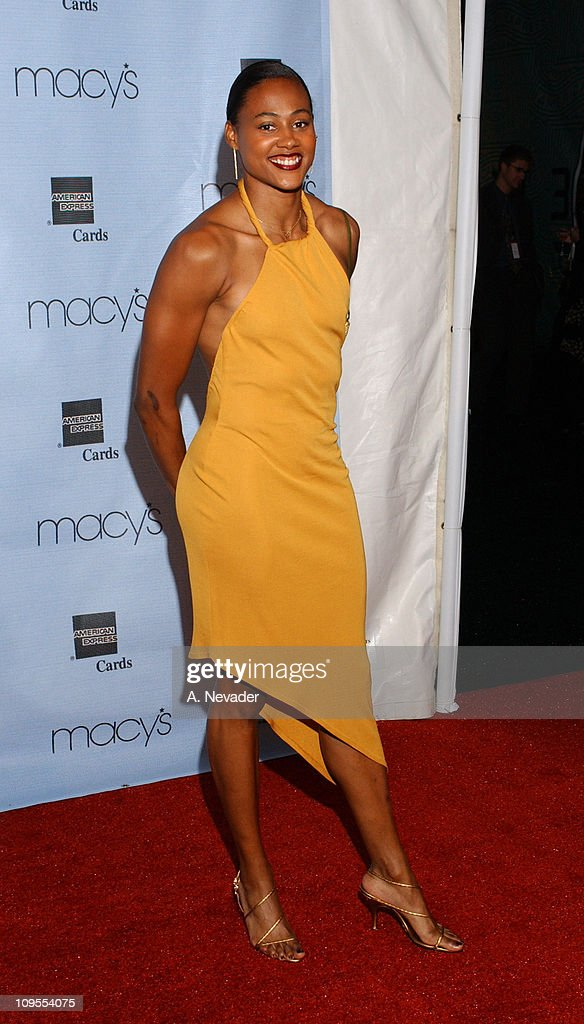 "Macy's and American Express ""Passport 2002"" 20th Anniversary Gala - Arrivals"