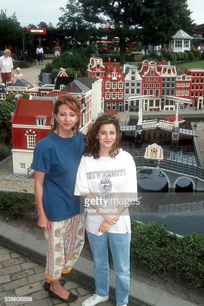 Marion Maerz Tochter Mascha Litterscheid Urlaub mit Besuch vom Freizeitpark 'Legoland' am in Billund Dänemark