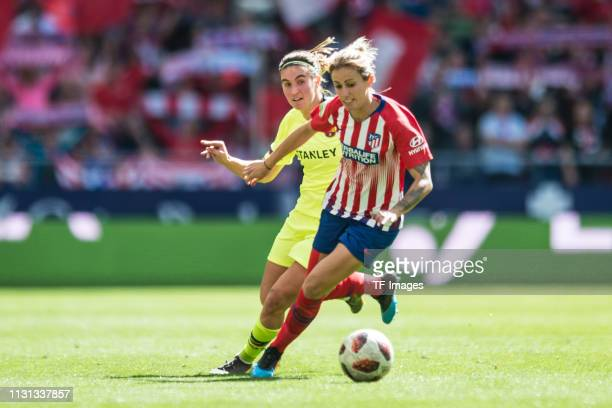 Mariona Caldentey of Barcelona and Angela Sosa of Atletico de Madrid battle for the ball during the Liga Iberdrola match between Atletico de Madrid...