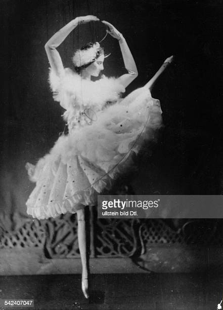Marionette Anna Pawlowa puppet 1920s
