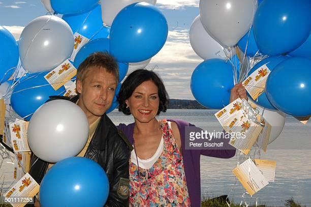 Marisa Burger Max Müller ZDFSerie Die RosenheimCops 250 Folge Inning / Ammersee Bayern Deutschland Europa Jubiläum Jubiläumsfolge Luftballons...