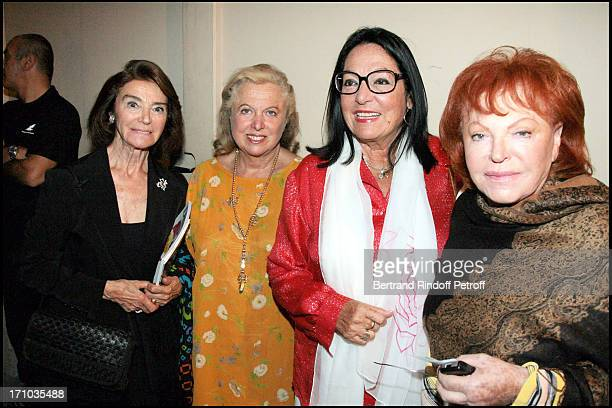 Marisa Pavan Carole Weisweiller Nana Mouskouri and Regine 23rd Ramatuelle fesitival in 2007 Every night the artists pay tribute to Jean Claude Brialy