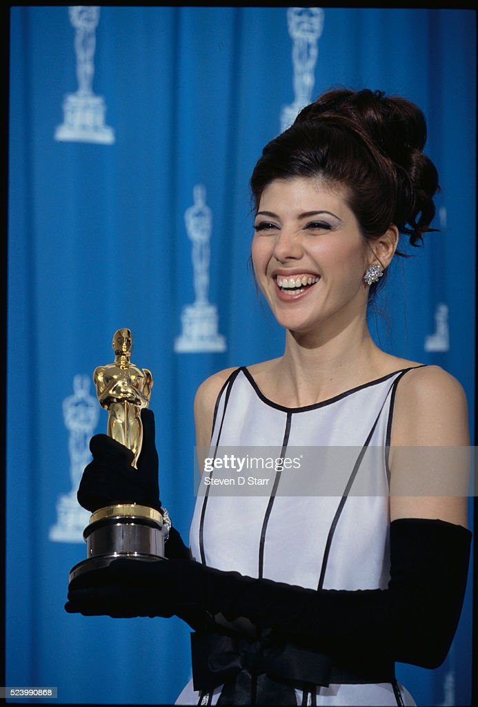 Marisa Tomei holds her Oscar at the 65th Academy Awards in ...