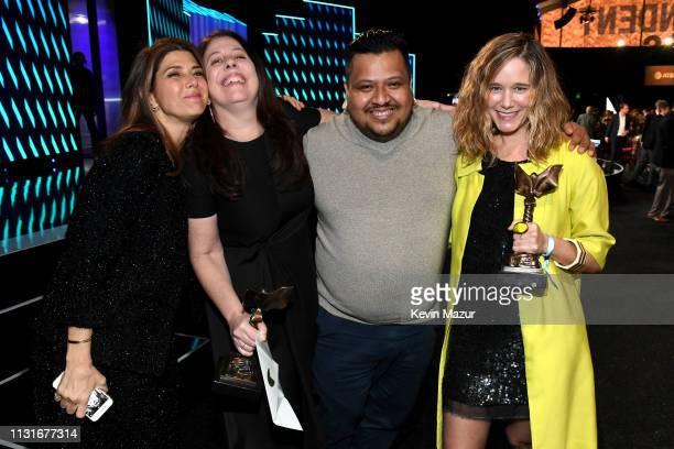 Marisa Tomei with Caroline Kaplan Genoel Ramirez and Lindsey Cordero winners of the John Cassavetes Award for 'En el Séptimo Día' pose during the...