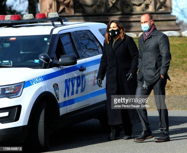 """Mariska Hargitay and Christopher Meloni are seen on the set of """"Law and Order: SVU"""" on January 25, 2021 in New York City."""