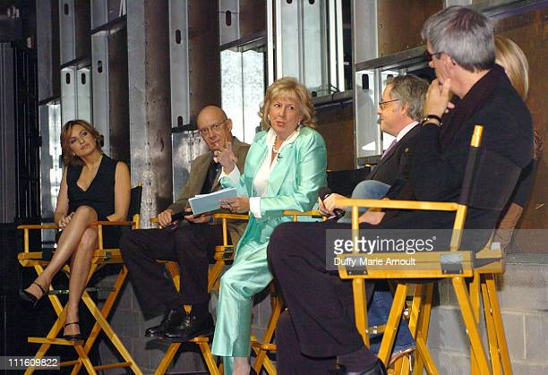 Mariska Hargitay Dann Florek Linda Fairstein Dr Neal Baer Stephanie March and Richard Belzer