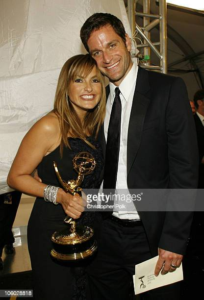 Mariska Hargitay winner Outstanding Lead Actress in a Drama Series for 'Law * Order Special Victims Unit' and Peter Hermann