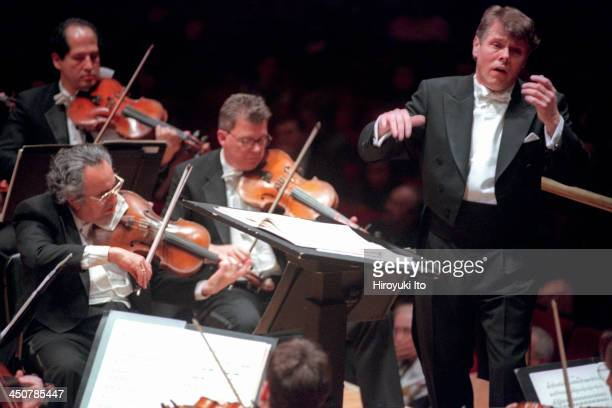 Mariss Jansons leading the Pittsburgh Symphony Orchestra at Carnegie Hall on Tuesday night March 7 2000The performed the music of Rossini Stravinsky...