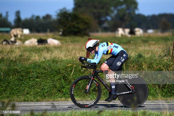 Marith Vanhove of Belgium sprints during the 94th UCI Road World Championships 2021 - Women Junior ITT a 19,3km Individual Time Trial race from...