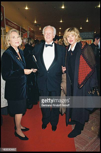 Maritie Gilbert Carpentier Sophie Agacinski at Concert With Charles Aznavour At The Palais Des Congres In Paris 1997