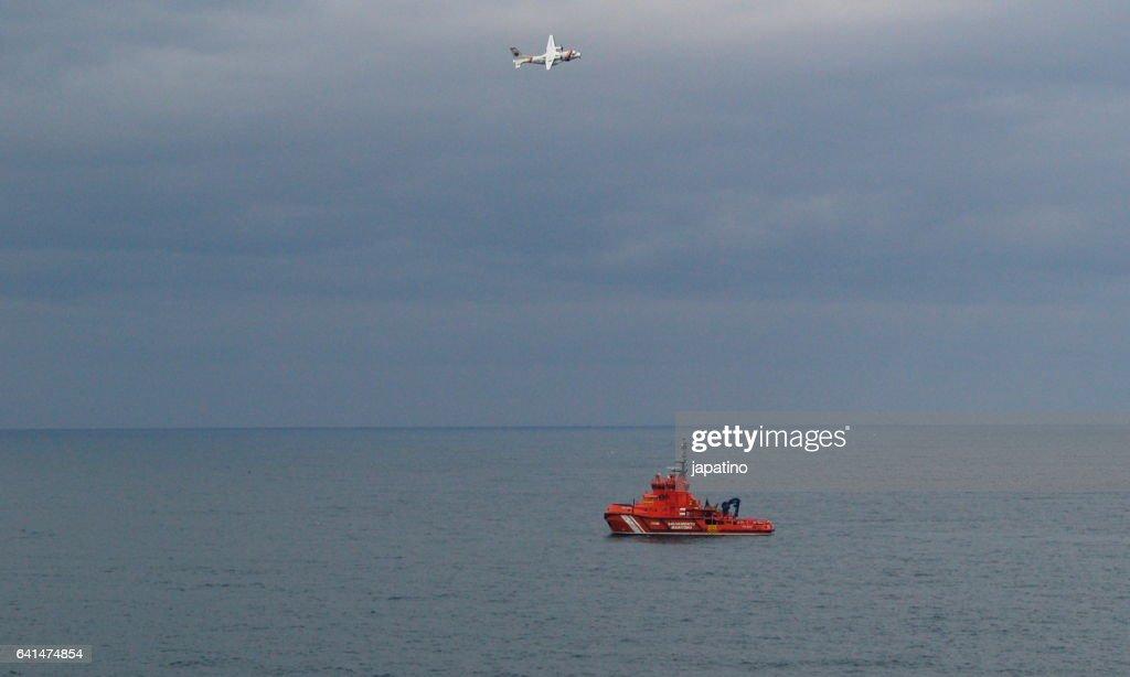 Maritime rescue operation : Stock Photo