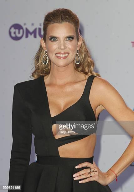 Maritza Rodriguez arrives at Telemundo's Premios Tu Mundo 'Your World' Awards at American Airlines Arena on August 25 2016 in Miami Florida