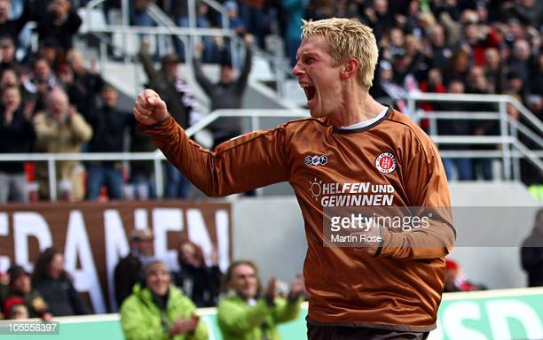 Marius Ebbers of St Pauli celebrates after he scores his team's 2nd goal during the Bundesliga match between FC St Pauli and 1 FC Nuernberg at...