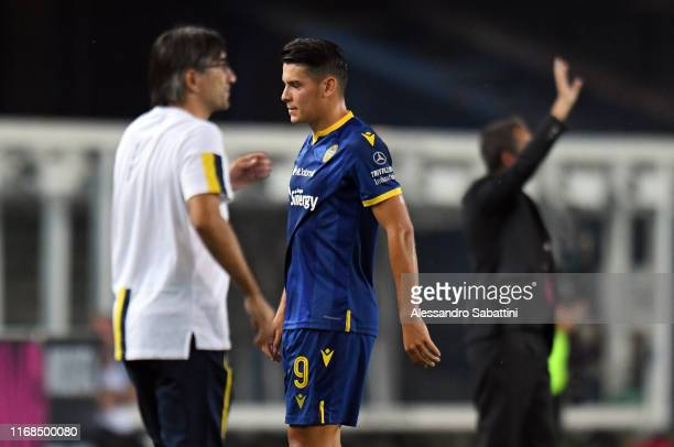 Mariusz Stepinski of Hellas Verona reacts after red card during the Serie A match between Hellas Verona and AC Milan at Stadio Marcantonio Bentegodi...