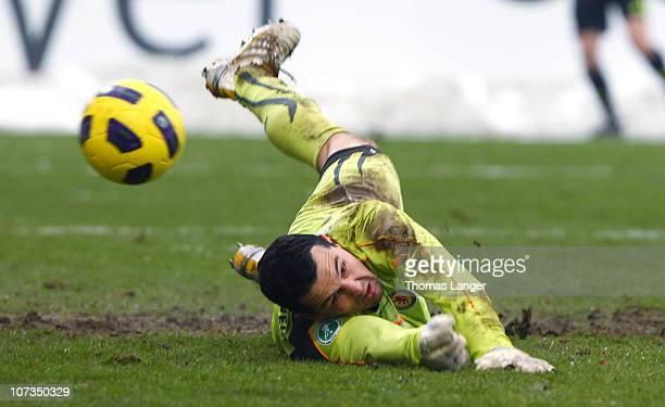 Marjan Petkovic of Braunschweig tries to save the ball during the Third League match between 1.FC Heidenheim and Eintracht Braunschweig at the GAGFAH...
