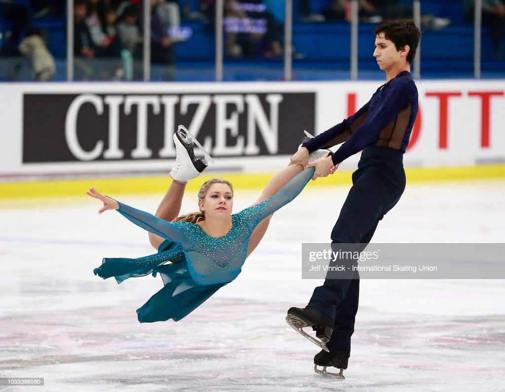 Команда Канады в общем и целом - Страница 19 Marjorie-lajoie-and-zachary-lagha-of-canada-skate-to-a-first-place-picture-id1033398560
