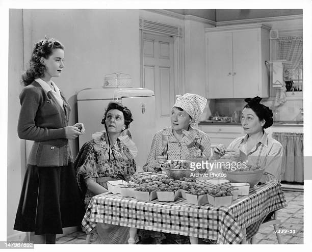 Marjorie Main Zasu Pitts Aline MacMahon Susan Peters in funny kitchen sequence from the film 'Tish' 1942