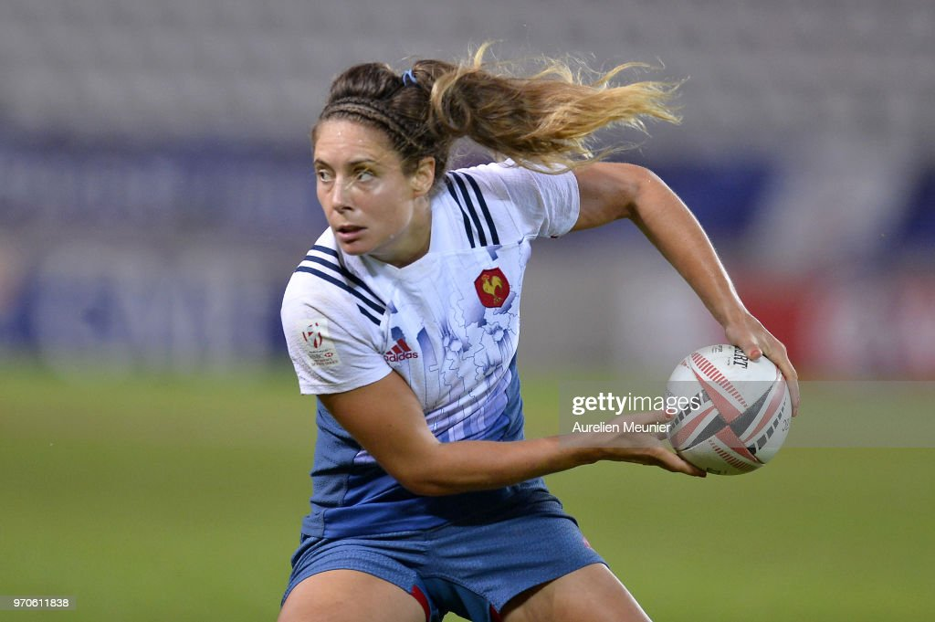 Marjorie Mayans of France passes the ball during match between Australia and France at the HSBC Paris Sevens, stage of the Rugby Sevens World Series at Stade Jean Bouin on June 9, 2018 in Paris, France.