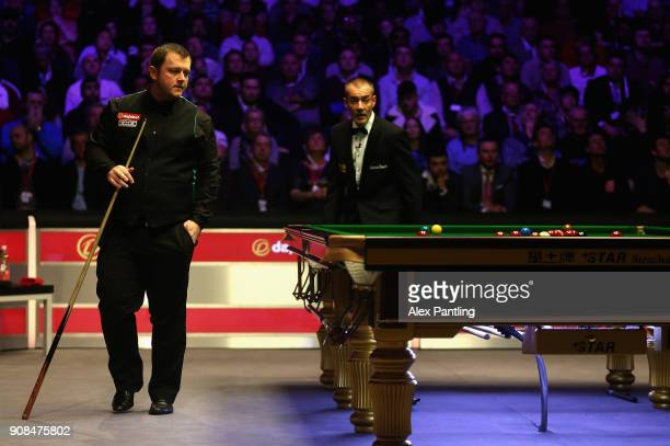 Mark Allen makes his way around the table during The Dafabet Master Final between Kyren Wilson and Mark Allen at Alexandra Palace on January 21 2018...