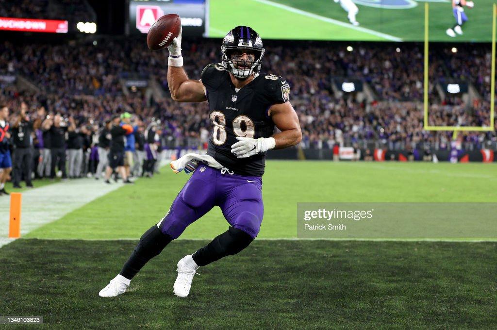 Indianapolis Colts v Baltimore Ravens : News Photo