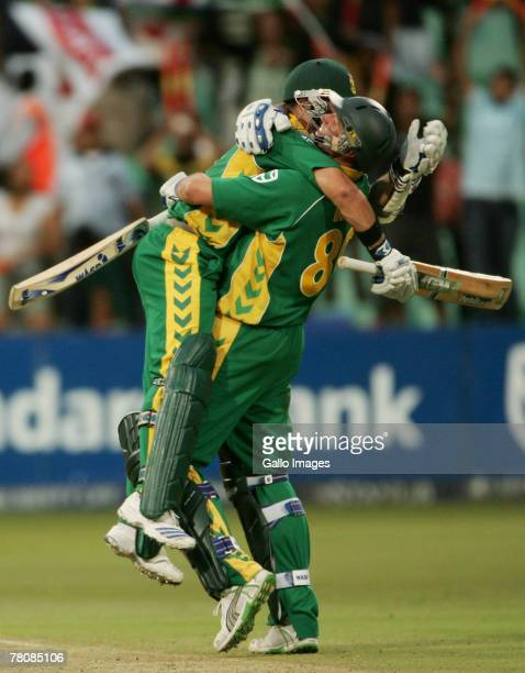 Mark Boucher and Andre Nel celebrate the victory off the last ball of the innings during the first ODI match between South Africa and New Zealand...