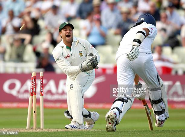 Mark Boucher of South Africa runs out Monty Panesar of England to end the 1st innings during the 3rd npower Test Match between England and South...