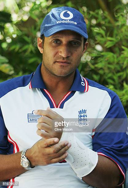 Mark Butcher of England talks to the press about his wrist injury at the Table Bay Hotel on January 8, 2005 in Cape Town, South Africa.