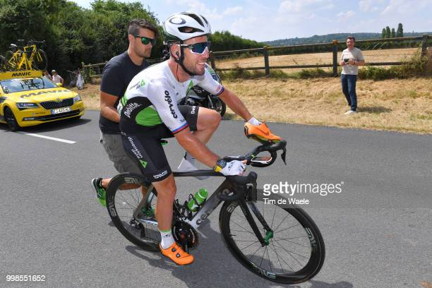 Mark Cavendish of Great Britain and Team Dimension Data / Shoe problem / Mechanical problem / during the 105th Tour de France 2018, Stage 8 a 181km...