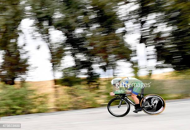 Mark Cavendish of Great Britain riding for Etixx Quickstep retains the green points jersey as he competes in the individual time trial during stage...
