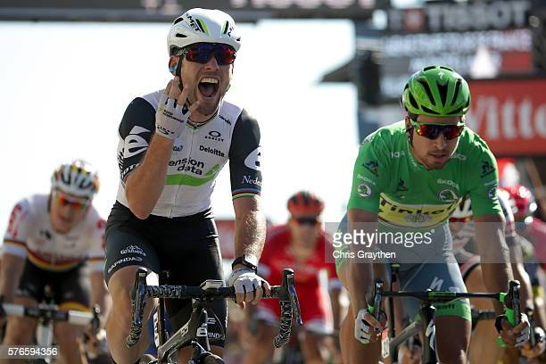 Mark Cavendish of Great Britain riding for Team Dimension Data sprints to win his fourth stage during stage fourteen a 2085km stage from Montélimar...