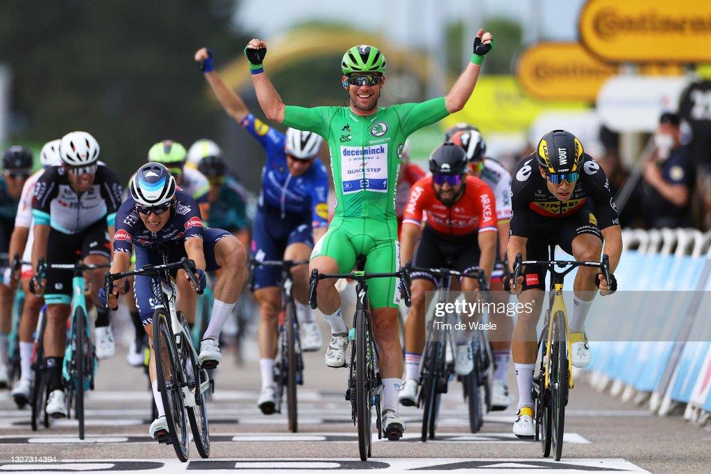 108th Tour de France 2021 - Stage 10 : ニュース写真