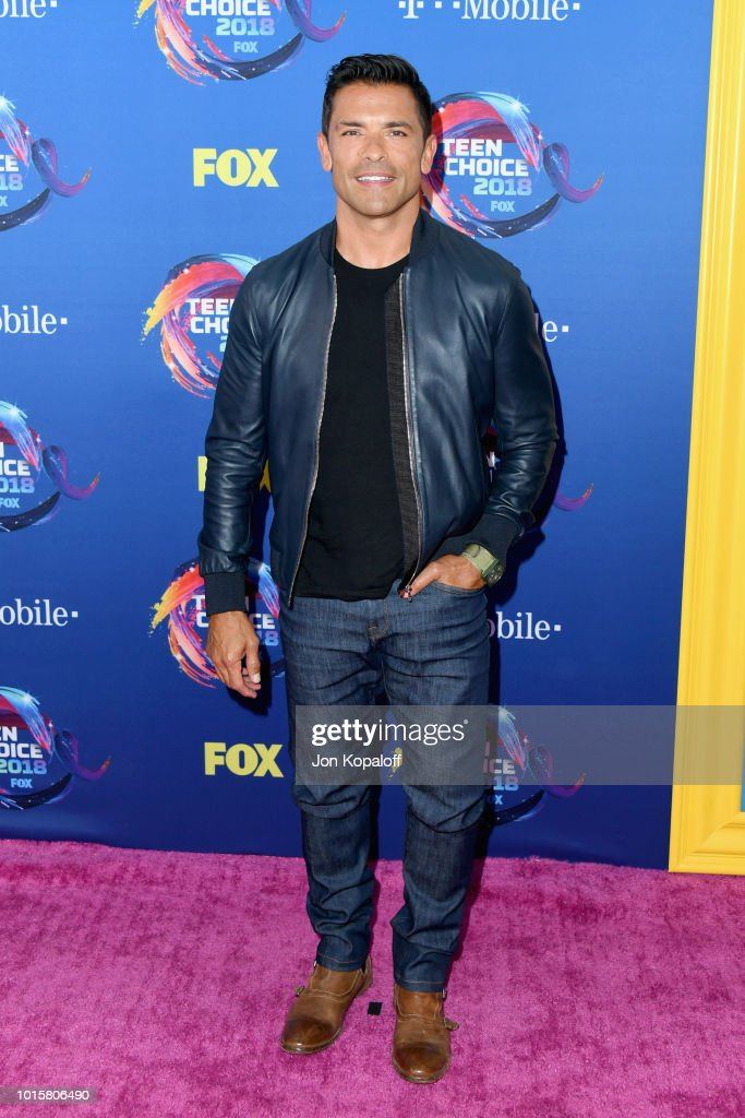 mark-consuelos-attends-foxs-teen-choice-awards-at-the-forum-on-august-picture-id1015806490