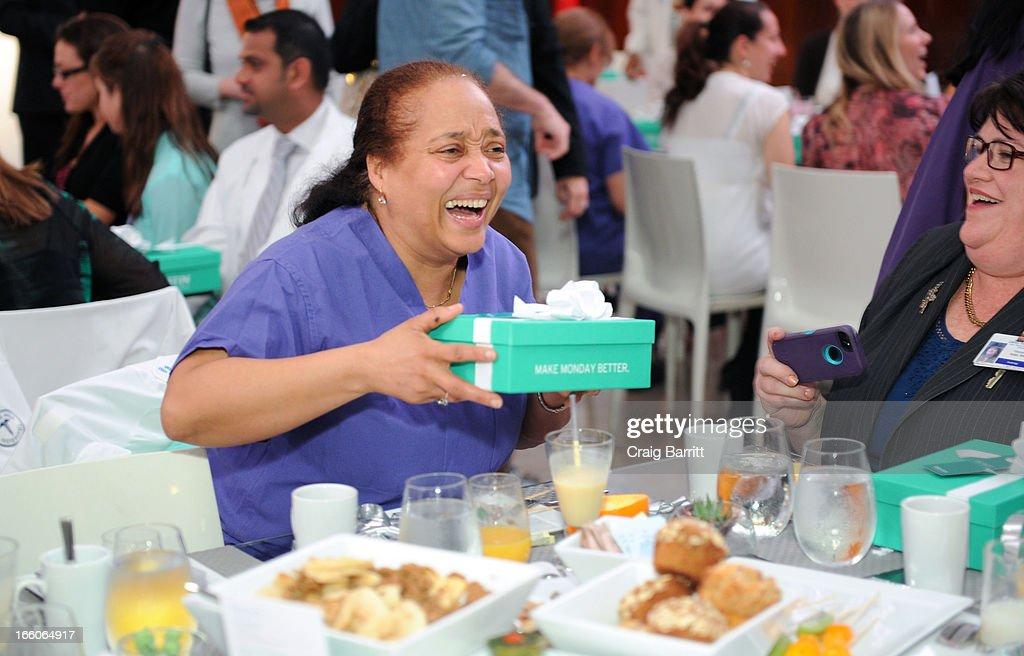 Mark Consuelos surprises hundreds of nurses at Lenox Hill
