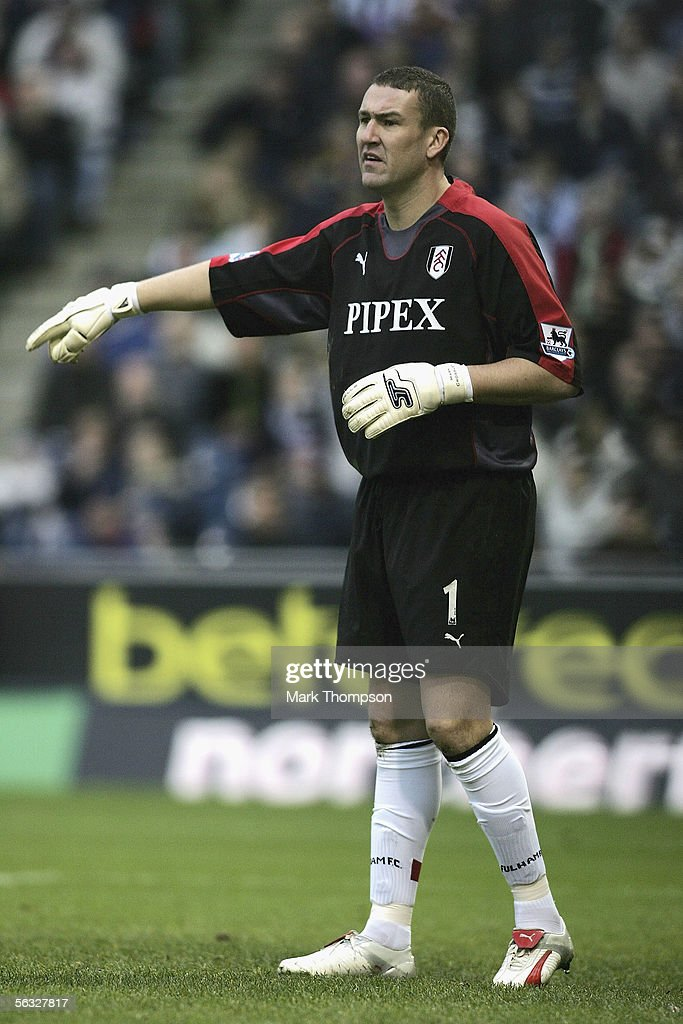 Mark Crossley of Fulham during the Barclays Premiership match between West Bromwich Albion and Fulham on December 3, 2005 at the Hawthorns, England.
