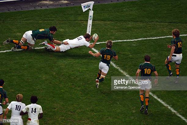 Mark Cueto of England dives for the line only for the try to be disallowed during the 2007 Rugby World Cup Final between England and South Africa at...