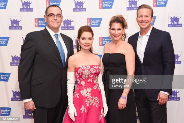 Mark D Friedman Jean Shafiroff Jamie Koff and Chris Wragge attend American Cancer Society Taste Of Hope 12th Annual Event on May 9 2017 in New York...