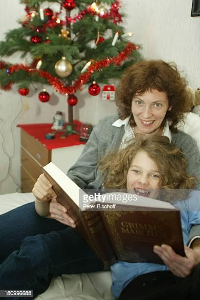 Mark Ehrenfried Mutter Petra Homestory Berlin Deutschland Europa Wunderkind Buch Märchen Lesen Weihnachten Advent