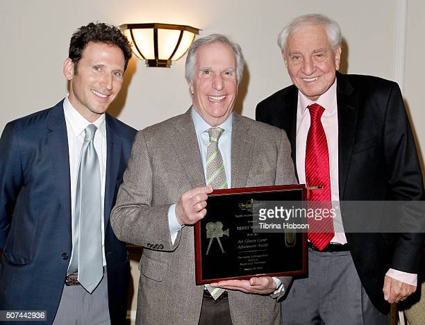 Mark Feuerstein Henry Winkler and Garry Marshall attend the Pacific Pioneer Broadcasters Lifetime Achievement Awards Ceremony for Henry Winkler at...