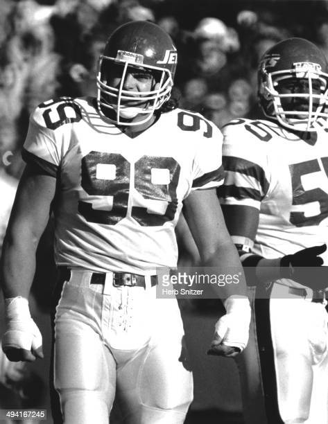 Mark Gastineau of the NY Jets prepares for a play in 1987 in Boston Massachusetts