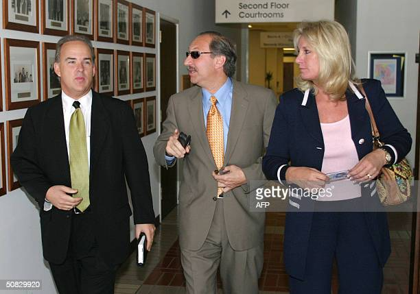 Mark Geragos attorney for Scott Peterson walks with Peterson jury consultant JoEllan Dimitrius and cocounsel Pat Harris as they leave the San Mateo...