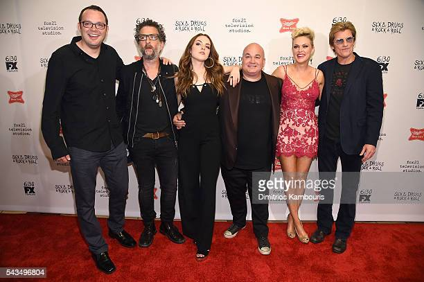 "Mark Gessner, John Ales, Elizabeth Gillies, Robert Kelly, Elaine Hendrix and Denis Leary attend the ""Sex&Drugs&Rock&Roll"" season 2 premiere at AMC..."