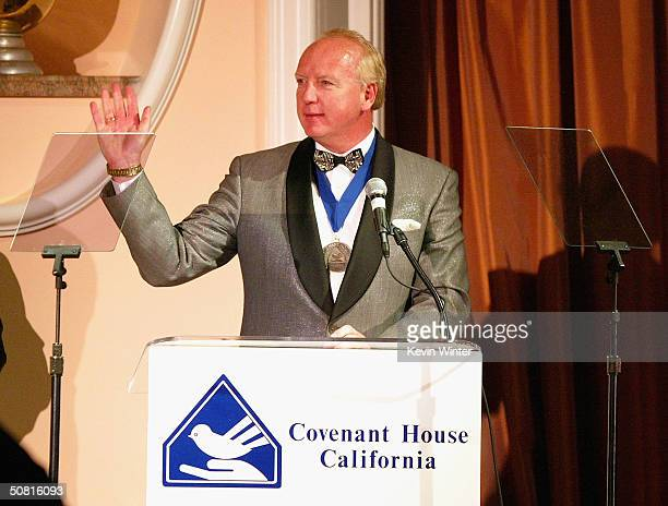 Mark Hansen cocreator Chicken Soup for the Soul series receives the Dove Award at the 2004 Covenant With Youth dinner gala benefiting Covenant House...