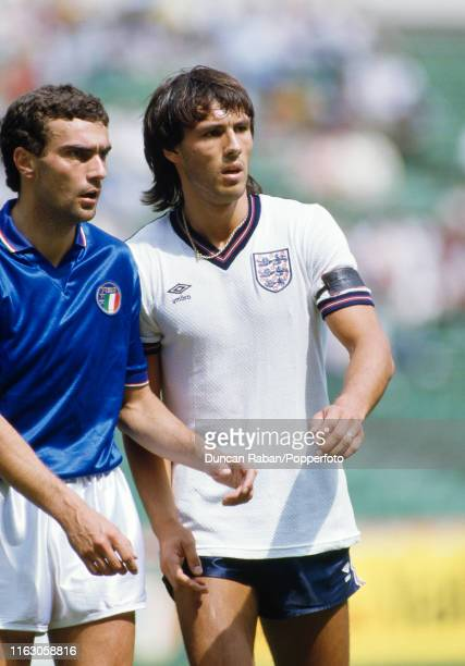 Mark Hateley of England and Giuseppe Bergomi of Italy during the Ciudad de México Cup match between Italy and England at the Azteca Stadium on June 6...