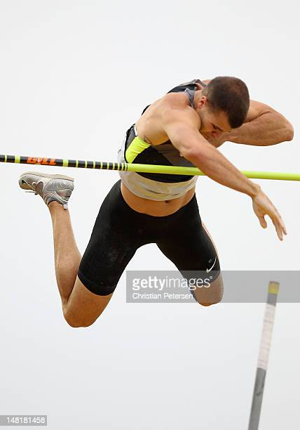 Mark Hollis competes in the Men's Pole Vault Final on day seven of the US Olympic Track Field Team Trials at the Hayward Field on June 28 2012 in...